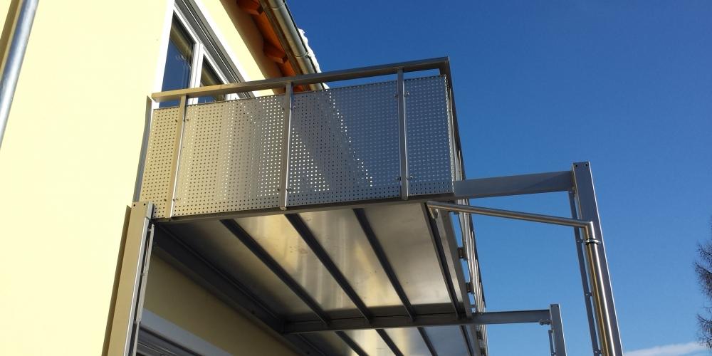 aussen balkon nachtrglich aufzug lift leiter mabelaufzug leiterlift geda altbau aufzuge. Black Bedroom Furniture Sets. Home Design Ideas
